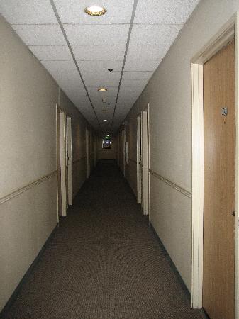 Redmond Inn: Hallway
