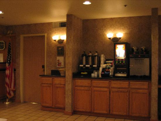 Redmond Inn: Drinking Machines