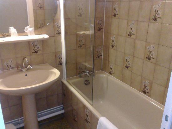 Nouvel Hotel : salle de bains