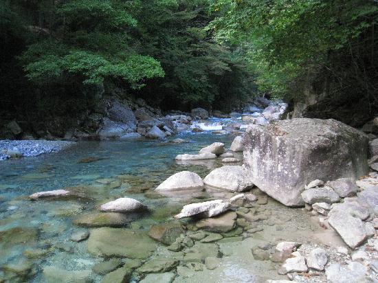 Nagiso-machi, Japan: 柿其渓谷入り口付近