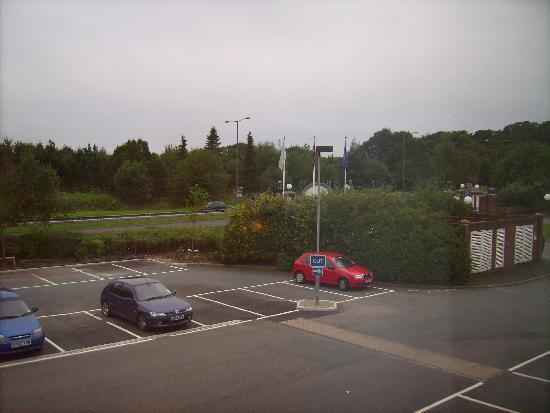 Hilton Maidstone: Parking lot