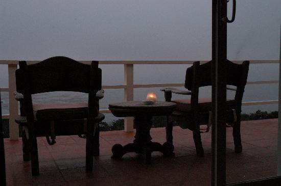 Tickle Pink Inn: the peaceful deck