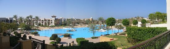 The Palace Port Ghalib : The Salt water lagoon serving Palace and Crowne Plaza