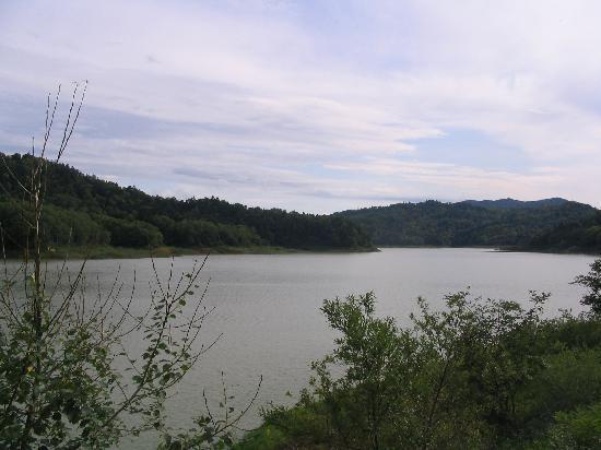 Katsurazawa Lake: 桂沢湖