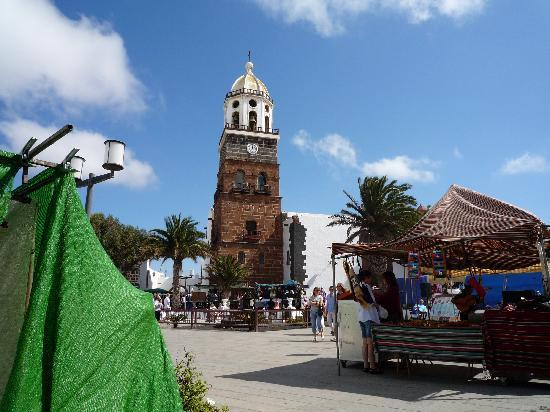 Relaxia Lanzaplaya Apartments: Teguise Market day