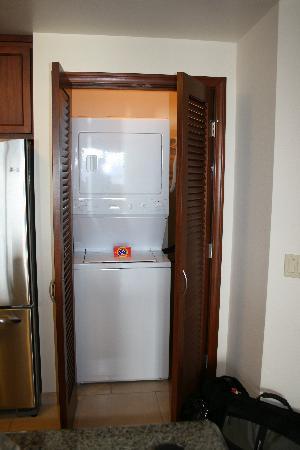 Marriott's Maui Ocean Club  - Lahaina & Napili Towers : Washer/Dryer
