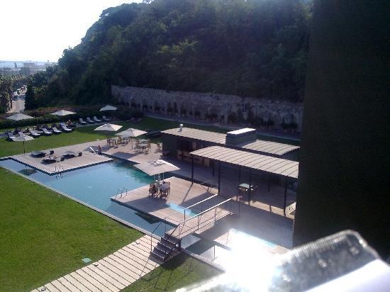 Vistas piscina picture of hotel miramar barcelona barcelona tripadvisor - Hotel piscina barcellona ...