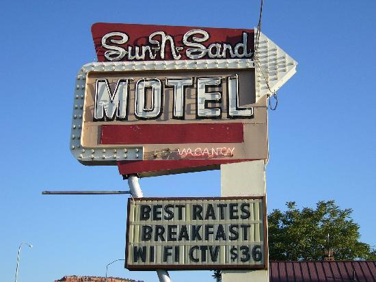 Sun-n-Sand Motel: Welcoming