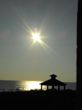 Shutters on the Banks: sunrise over the gazebo