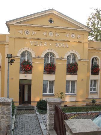 Pension Villa Rosa: The Hotel