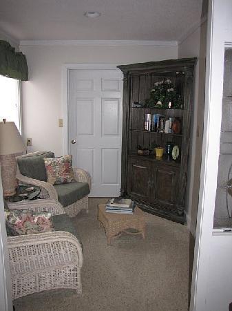 Harborlight Guest House Bed & Breakfast: sitting area