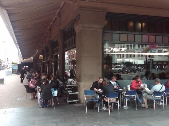 Jet Cafe Bar: Jet Bar Cafe in QVB - Sydney CBD hotspot