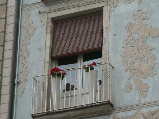 La Casa de les Lletres: The balcony of 4th Floor George Orwell Apt