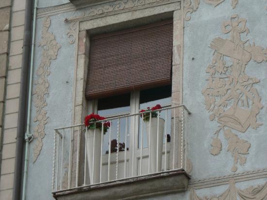 La Casa de les Lletres : The balcony of 4th Floor George Orwell Apt