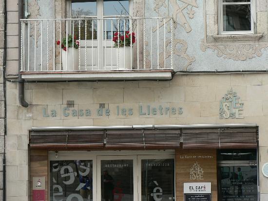 La Casa de les Lletres: Cafe down stairs - El Café De La Les Lletres