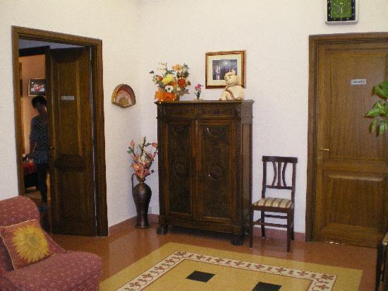 Anthony BB: Entrance Room