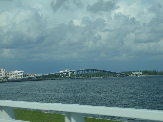 Port Sanibel Marina: bron till Sanibel