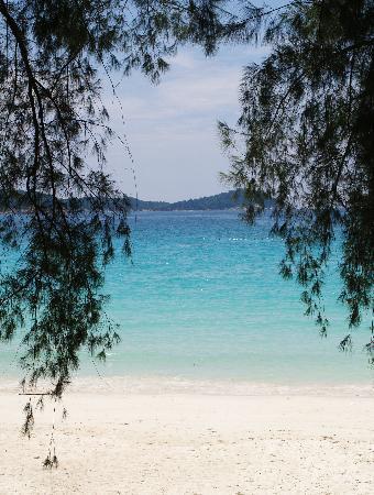 เปอร์เฮนเตียน ไอแลนด์ รีสอร์ท: la spiaggia