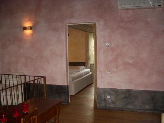 Le Case del Borgo: Orchidea top floor looking to the bedroom