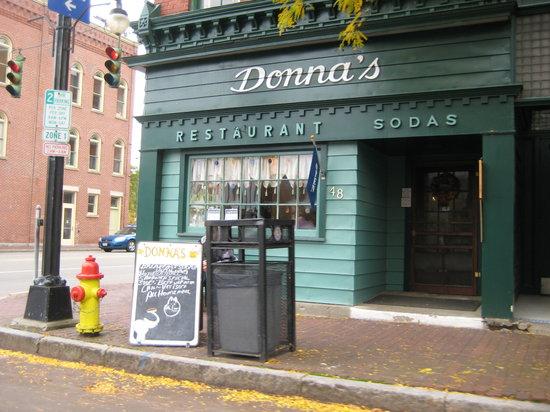 Donna's Restaurant : Avoid this restaurant..