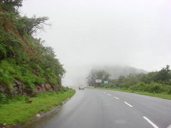 Lonavala, India: Lonavla Roads 4