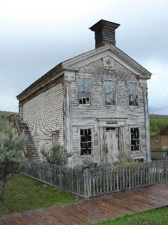 Dillon, MT: Schoolhouse