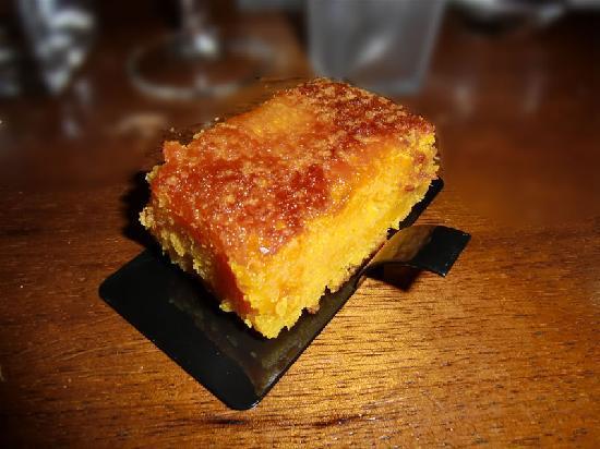 Les Caves de Trinque Fougasse : Gâteau à l'orange, huile d'olive & safran