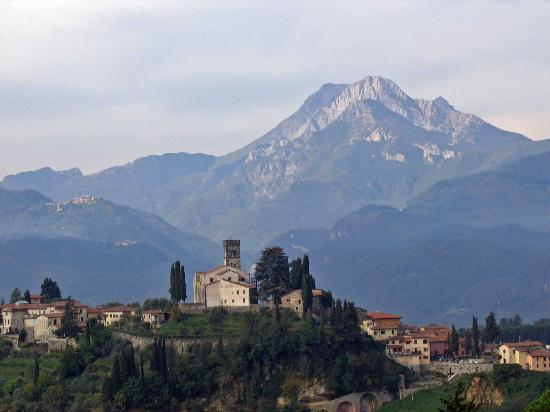 Barga Italy  city pictures gallery : Barga Pictures Traveler Photos of Barga, Province of Lucca ...