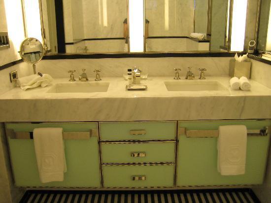 The Mark: Bathroom