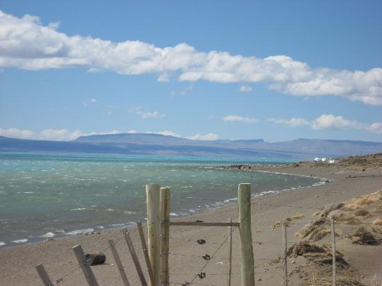 LAGUNA NIMEZ RESERVA NATURAL MUNICIPAL: the end of the pound : a look at the azul Lago Argentina