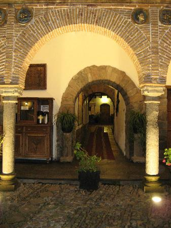 MARQUESES Boutique Hotel : outside view