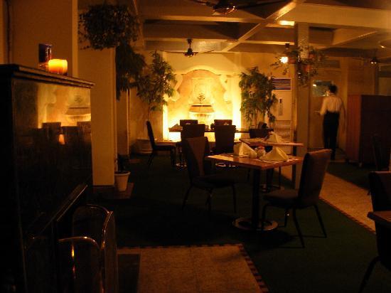 Bhurban, Pakistan: Dinning Area: Heated terrace