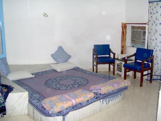 Maya Hotel & Restaurant: Room