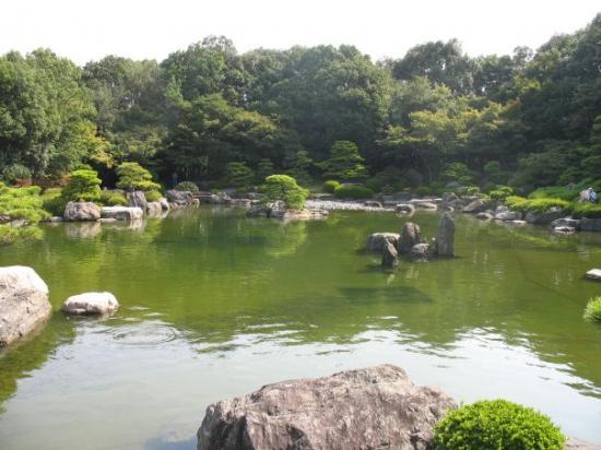 Ohori Park: Erste Station war Fukuoka. Hier war es recht subtropisch.  Fukuoka hat - neben dem internatio