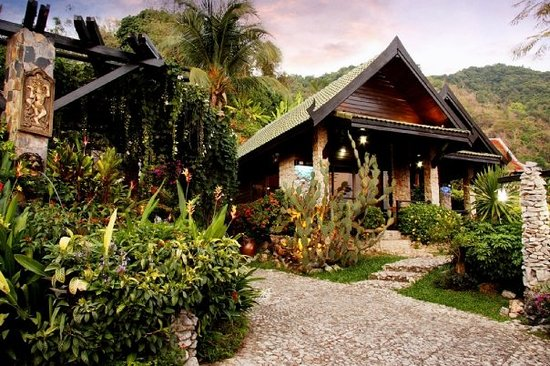 Boomerang Village Resort: Phuket Boomerang Village Cottages Kata Beach