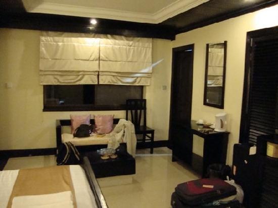 The Kool Hotel: Superior Room