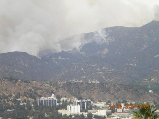 Jet Propulsion Laboratory : JPL and the station fire.