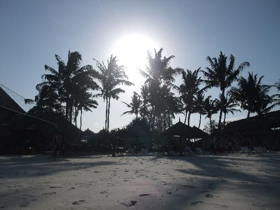 Jangwani Seabreeze Resort: Sunset at Jangwani
