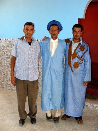 3 wonderful guys in M'Hamid (check: 'Zbar travel' and hotel 'El Ghizlaine')