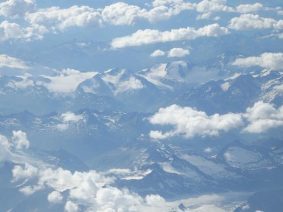 Milán, Italia: Alpit