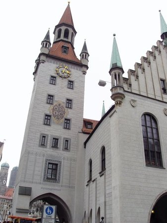 Old Town Hall (Altes Rathaus)
