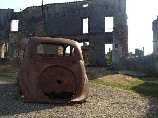 Oradour-sur-Glane, France : Oradur-sur-Glane - verlassen wie zerstört