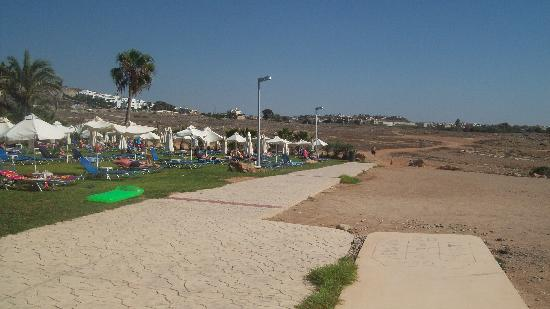 Akti Beach Village Resort: Coastal walk