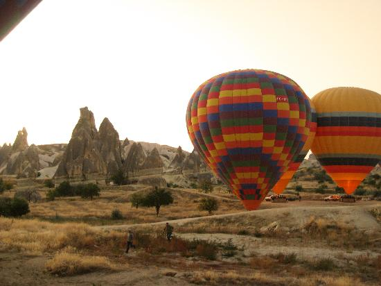 Other balloons on air - Picture of Goreme Balloons, Urgup ...