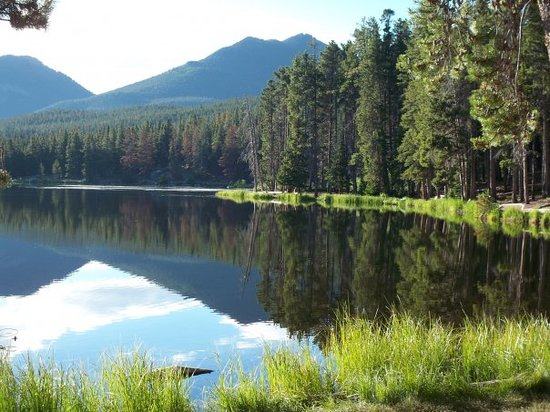 Rocky Mountain National Park, Κολοράντο: I took a photography class and this photo was taken at Sprague Lake in the Rocky Mountains.  It