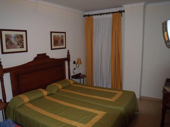 Puerto Real, Spain: habitación