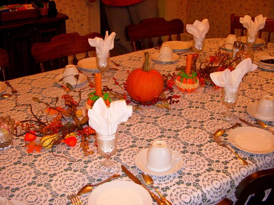 The Lancaster Bed and Breakfast: Dining Table