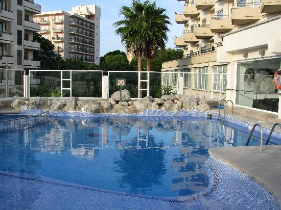 Swimming pool picture of hotel pure salt garonda playa - Hotels with saltwater swimming pools ...