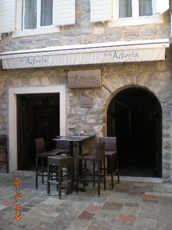 Astoria Boutique Hotel: Hotel Entrance