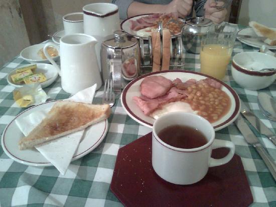 Ridgemount Hotel: colazione1: uova, bacon e fagioli
